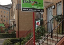 Jackson & Co Estate Agent Correx To Let Sign